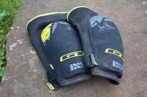 IXS Flow knee pads