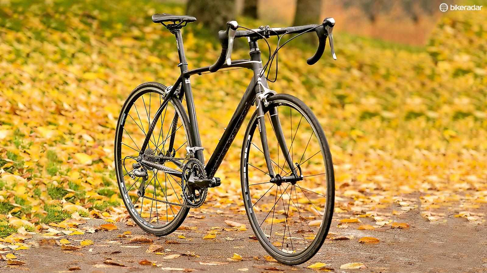 The Calibre Stat: a very good bike with some puzzling kit
