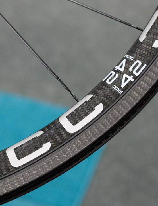 The clinchers have a narrow trench between the braking surface and rim