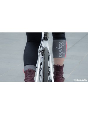 The Rapha logo and reflective strips add style in the day and increase safety at night