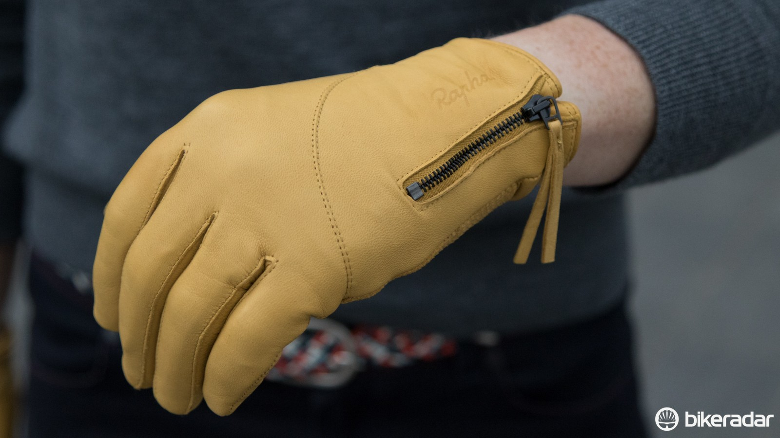The Women's Leather Town Gloves are pure luxury (if not just expensive) at £160 / US$245 / AU$250 (yep, that's not a typo). A silk/merino inner lining wicks sweat on the inside