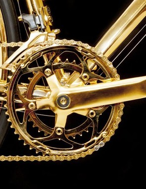 Even the compact FSA Tempo crankset has be coated in gold