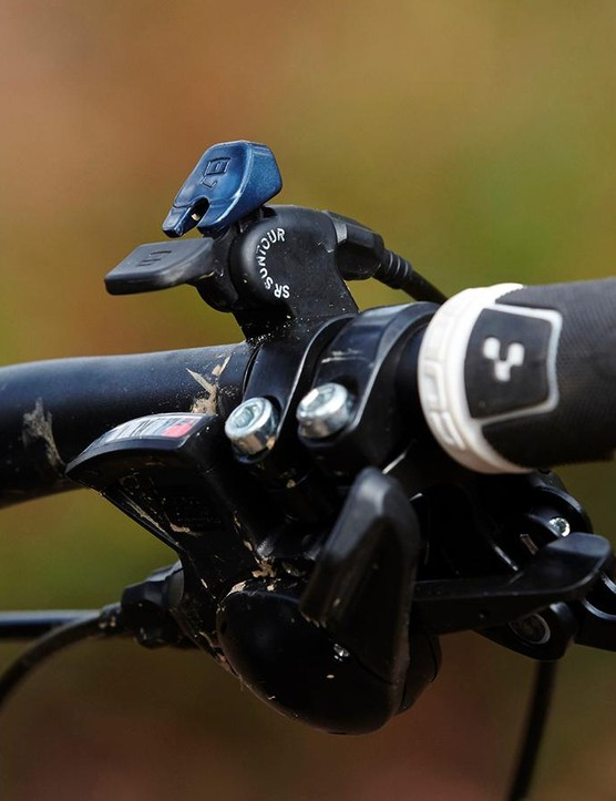 The brakes comes from the Shimano M355 stable, with 160mm rotors front and rear