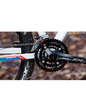 Triple chainrings up front aid the Kraken's versatility for riders who'll look to use it as a commuting workhorse