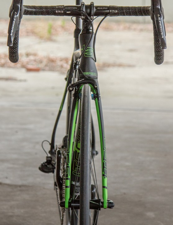 Litespeed claims the bowed fork adds an aerodynamic advantage, but we found it stiffened the front end ride quality