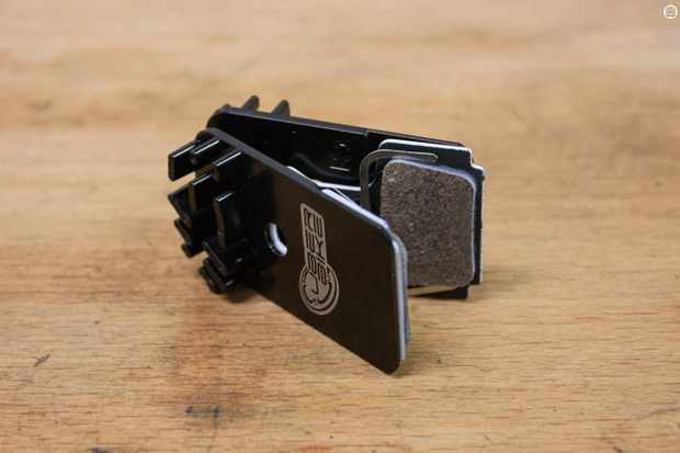 Uberbike Components' finned brake pads
