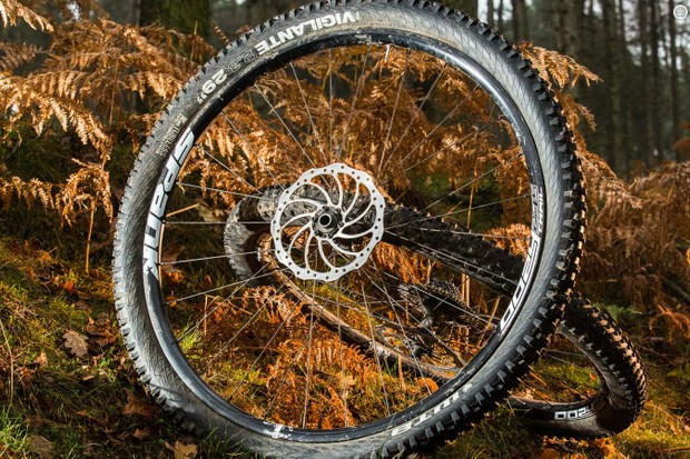 Spank Oozy Trail295 Bead Bite 29er wheels