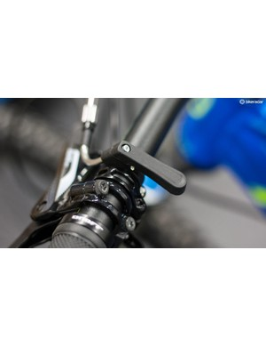 We have to say that the remote on X-Fusion's Hilo ACE dropper post looks and feels pretty crappy