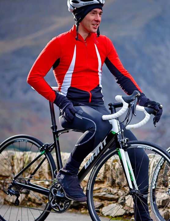 Both the jersey and the bib tights are adept at protecting you from windchill