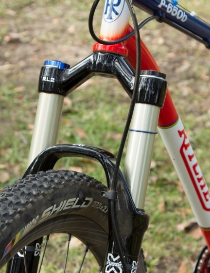 An X-Fusion Velvet RLR2 110mm fork featured on the front of our test sample. The fork is plush and well-dampened and gave zero problems