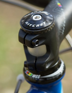 Specific to Ritchey, the head tube is forged and machined. This design saves weight and allows the use of a simple and common Integrated Campy-type headset