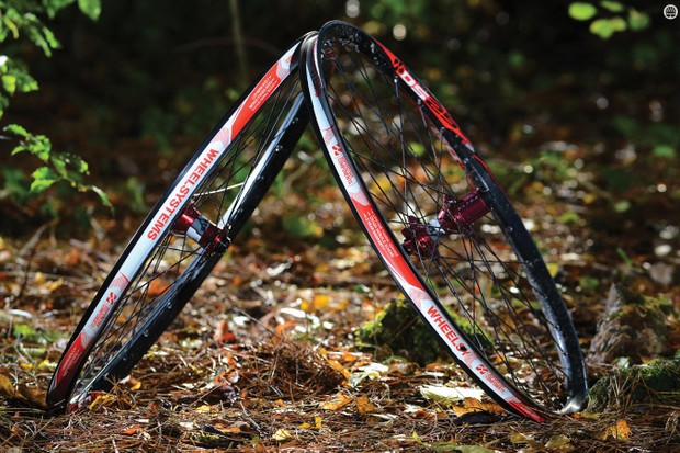 Superstar Tech 4 DS25 wheelset