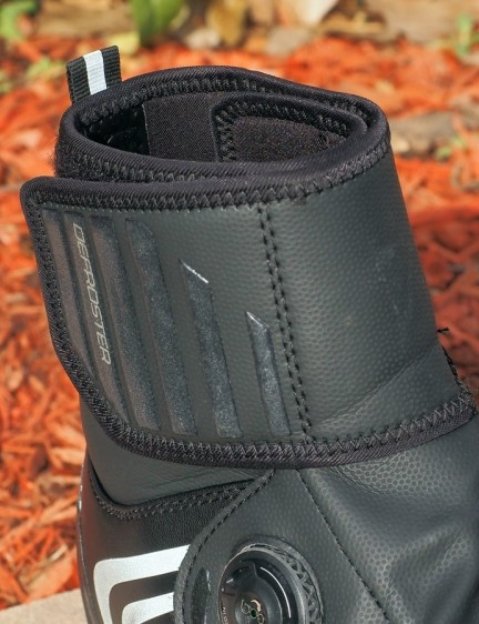 The neoprene ankle cuff fits tightly to seal out snow and tire spray, although some silicone rubber might be useful for extended riding in wet weather