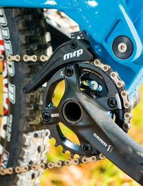 A SRAM 1x11 drivetrain is paired to a lightweight chain device