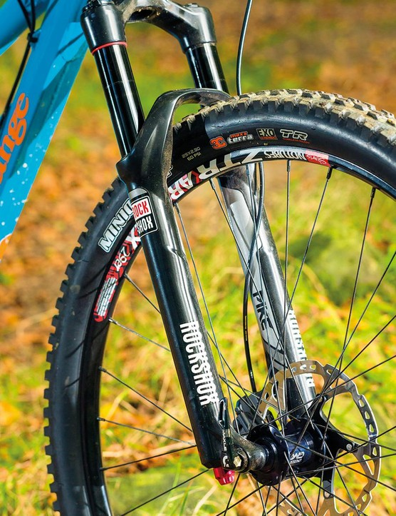 RockShox' Pike fork has long but beefy legs, so twist isn't an issue