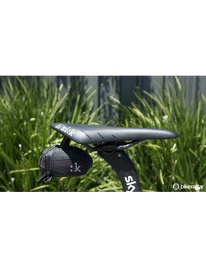 A saddle bag on a pro bike? Yep... need to carry those spares somehow when you're training solo
