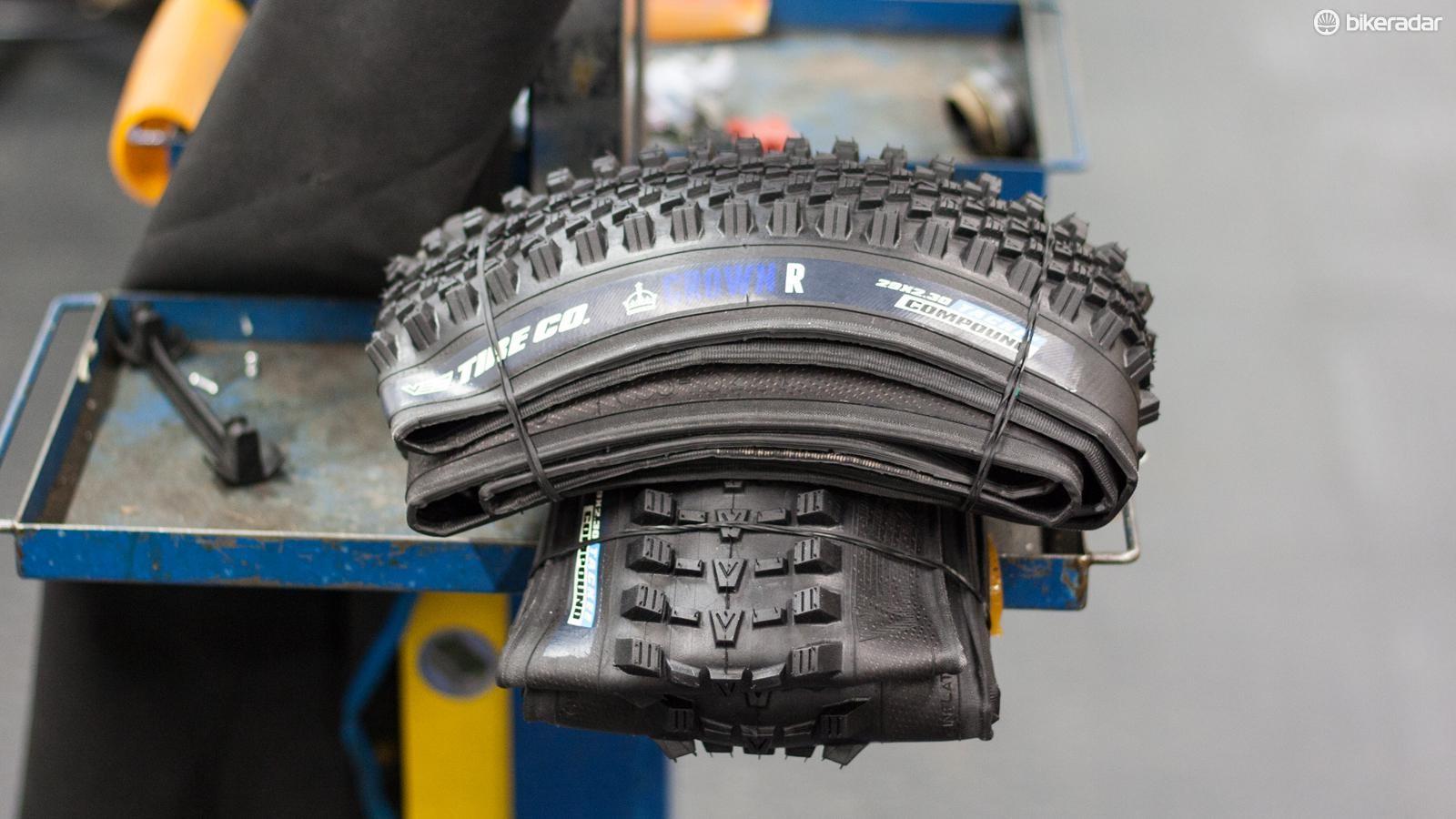 Vee Tyre Crown F and Crown R tyres