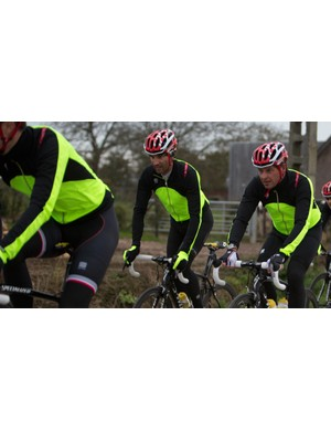 The Fiandre Light Windstopper jacket is designed to keep you comfortable in temperatures below 10C
