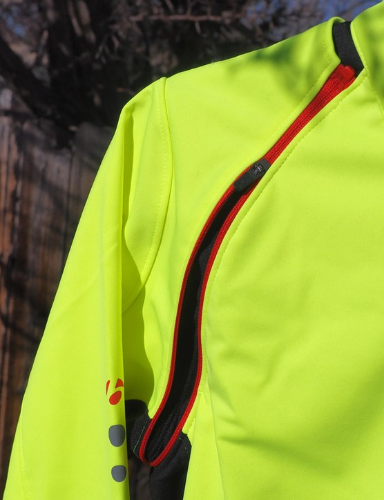 Zip-off sleeves on the Bontrager RXL Convertible 180 Softshell jacket let you quickly make adjustments for changing weather conditions