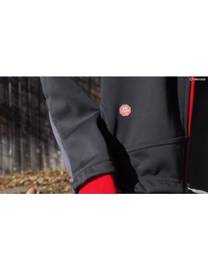 Windstopper fabrics on the Castelli Senza jacket do an admirable job of blocking out the cold