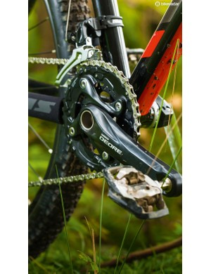 The Sentier has chainguide mounts for chain devices, and though the SLX clutch mech keeps the chain on well without one, it's a benefit if you choose to go single front ring
