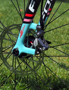 Tidy post mounts are used for the front brake caliper