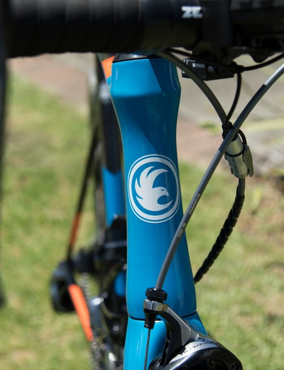 The head tube is given an hourglass shape for improved aerodynamic performance. While a tapered fork steerer is used for stiffness, it's a narrower 1 1/4in lower bearing that's used