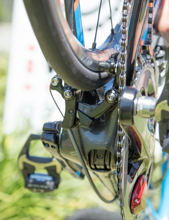 For 2015, the Corsa DR uses a direct-mount brake that is tucked behind the bottom bracket