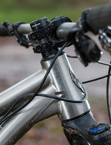 A large down/head tube gusset helps keep things stiff and on point up front