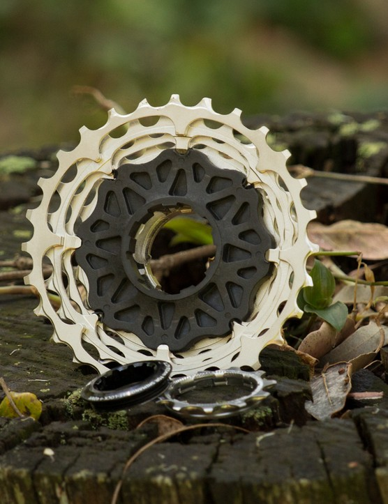 A carbon spider is pressed into the one-piece CNC cassette. We had no creaking or other issues from the design