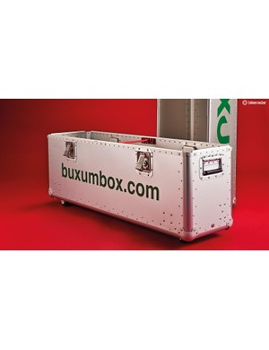 The Buxum Tourmalet's lift-off top half makes it simple to load or unload the box, and allows customs inspectors to quickly view the contents without removal