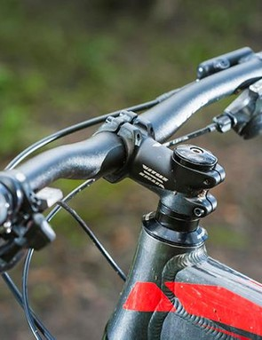 The wide, low-rise bar contributes to the Nucleus's sorted riding position