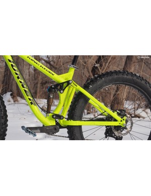 120mm of rear wheel travel comes courtesy of the excellent  DW-link system and a Fox Float CTD Trail Adjust rear shock