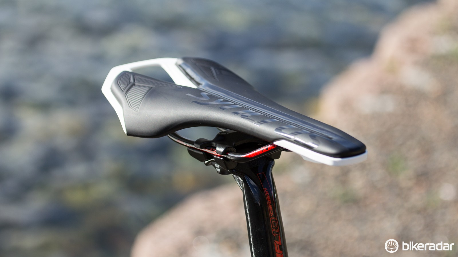Our least favourite part of the Addict 20 is this Syncros saddle