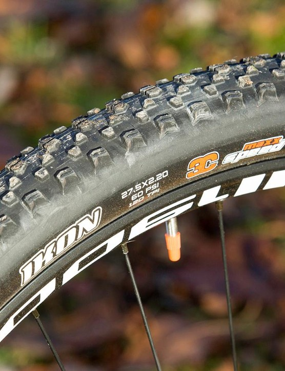 The 650b wheels add noticeable rough terrain smoothness and extra grip compared with the smaller 26in hoops on previous 575 models