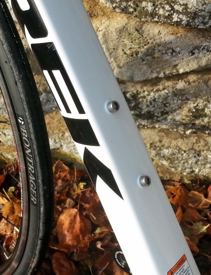 The down tube has a flat rear edge for stiffness, handling well in crosswinds while still giving an aero edge from the front-facing aerofoil shape