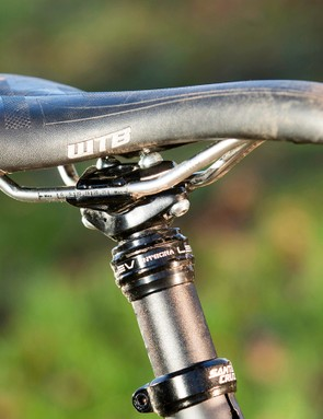 Our test machine came with a KS LEV Integra seatpost upgrade