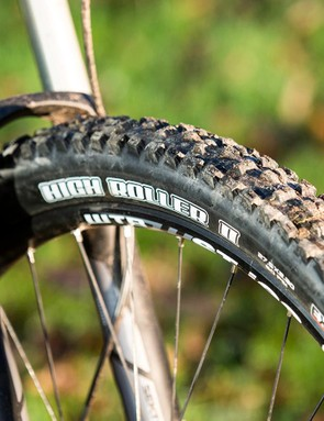 RockShox's Sektor fork is a cracking performer for the price and the quality Maxxis 3C rubber comes set up tubeless from the start