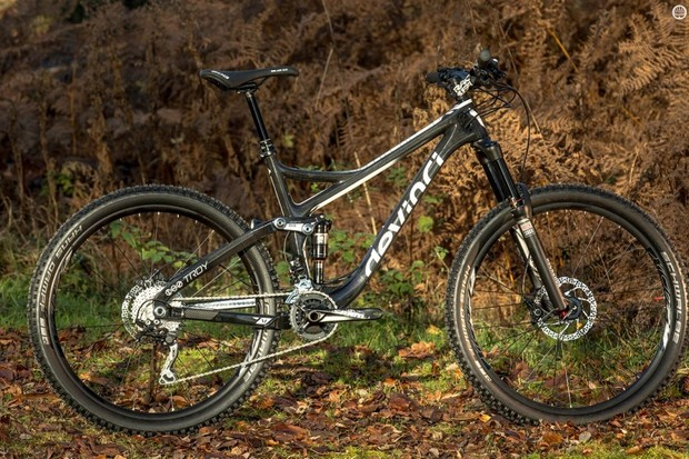 Devinci's Troy Carbon XP delivers direct-buy style spec value with the reassuring back-up of an excellent UK shop/distributor