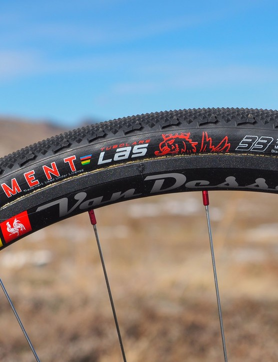 Van Dessel included its new tubular wheelset with our test bike, which looks good and stayed true during testing