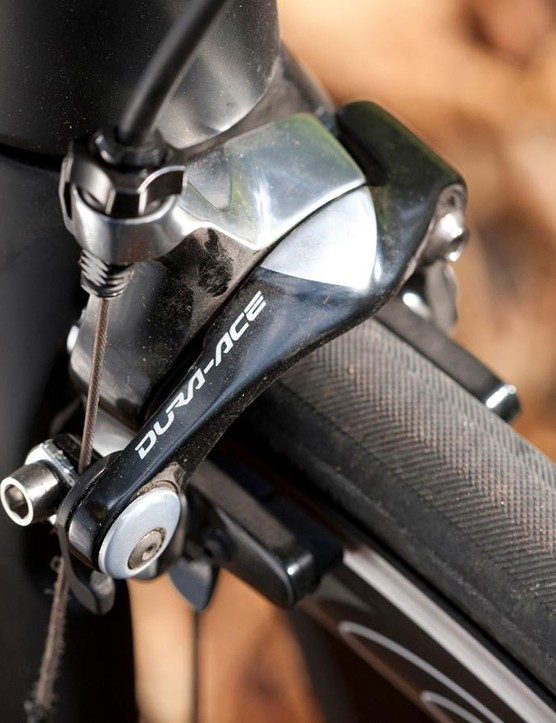 Direct-mount Dura-Ace anchors can be found both front and rear, with the back one seatstay-mounted for easier maintenance
