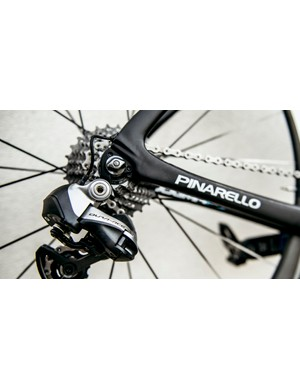 The Di2 cable pops out neatly by the dropouts