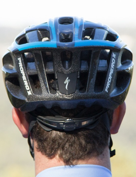 The reflective piping at the back of the helmet is near invisible during the day