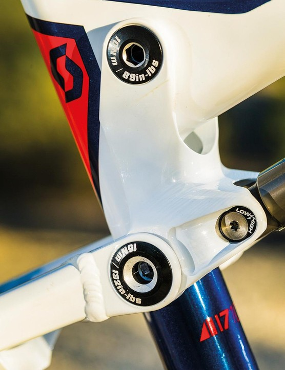 Switching the chip in the seatstay/linkage pivot mount changes the head angle by half a degree and the bottom bracket height by 3mm to micro adjust the trail friendly handling feel