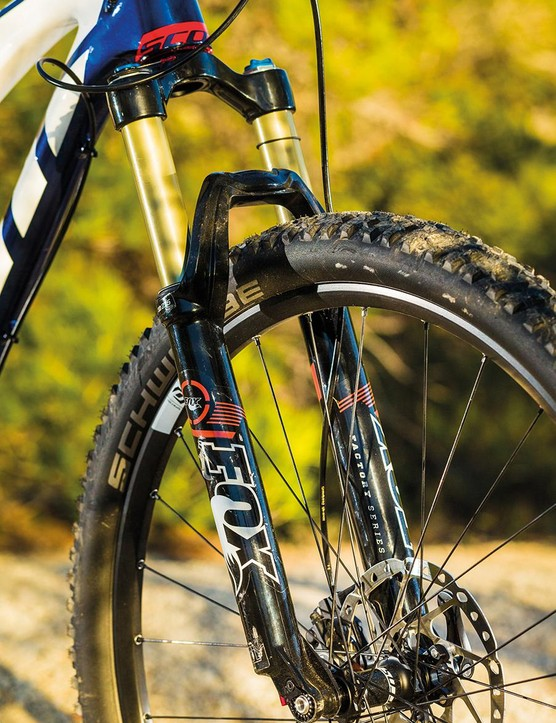 The screw-thru Fox 32 fork delivers impressively precise steering