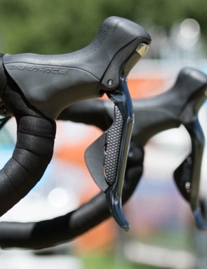 Shimano Dura-ace 9070 Di2 is pretty common in the peloton this year, and Kittel's is no different