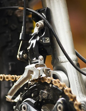 A removable direct mount derailleur means clean lines for 1x conversions