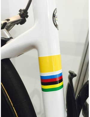 Cadel Evans farewell Teammachine SLR01 has his world championship stripes and another for his Yellow jersey