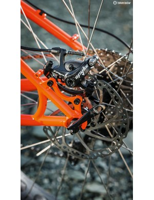 Mechanical disc brakes are fitted to make remote repairs easier