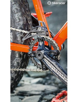 Race Face's 30T Narrow/Wide ring gets a top guide for additional security